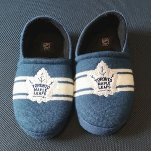 💥 Toronto Maple Leafs Slippers